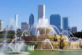 Fountain in chicago downtown — Stock Photo