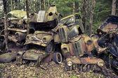 Heap of scrap cars — 图库照片