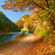 Autumn landscape with The Dunajec River Gorge. Pieniny Mountains — Stock Photo