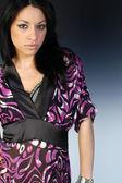 Bella donna in kimono viola — Foto Stock