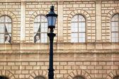 A falsa fachada de um edifício sob alemão renovação - munique — Fotografia Stock