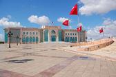 L'hôtel de ville de tunis et sa grande place — Photo