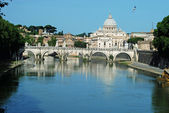 Bridges over the Tiber river in Rome - Italy — Stock Photo
