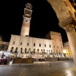 Piazza Erbe and Lamberti Tower in Verona - Stockfoto