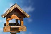 Little Old Birdhouse on Blue Sky — Stock Photo