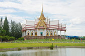Beautiful temple in thai style — Stock Photo