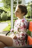 Cute nastolatka na kwiatowe sukienki — Zdjęcie stockowe