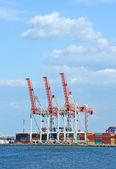 Recipiente e guindaste de carga do Porto — Fotografia Stock