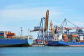 Kargo vinç ve gemi — Stok fotoğraf