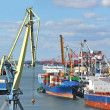 Cargo crane and ship — Stok Fotoğraf #37716069