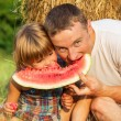 The father with the daughter on picnic — Stock Photo