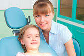 Mother and daughter visit the dentist — Stock Photo