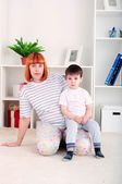 Mother and baby, home decor — Zdjęcie stockowe