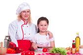 Madre e figlia cena di cucina — Foto Stock