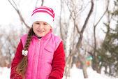 I en winter park — Stockfoto
