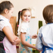 Children draw pictures of easels — Stock Photo