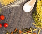Pasta, pomodoro e farina — Foto Stock