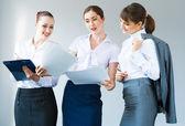 Grupa kobiet biznesu — Zdjęcie stockowe