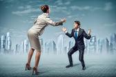 Twee zakenlieden vechten als sumoist — Stockfoto