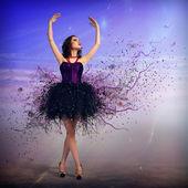 Woman dancing — Stock Photo