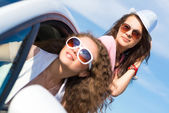 Women in sunglasses — Stock Photo