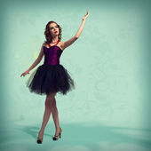 Woman dancing — Stockfoto