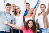 Students in the class raised their hands — Stock Photo