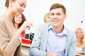 Eleverna i klassrummet — Stockfoto
