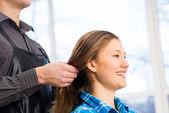 美容師とクライアント — ストック写真