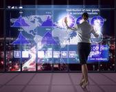Businesswoman working with virtual technologies — Stock fotografie