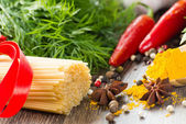 Italian spaghetti and vegetables — Stock Photo