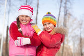 Girls in a winter park — Stock Photo