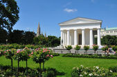 Theseus temple at Volksgarten Vienna, Austria — Stock Photo