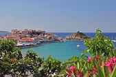 Beautiful Kokkari Beach on greek island Samos — Stock Photo
