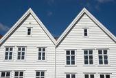 White wooden scandinavic houses in bergen, norway — Stock Photo