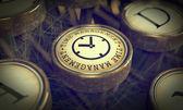 Clé de gestion du temps sur la machine à écrire de grunge. — Photo