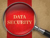 Vetro di sicurezza dati su carta vecchia. — Foto Stock