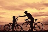 バイクに乗る人の家族 — ストック写真