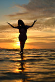 Lady in sunset — Stock Photo