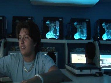Internetcafé — Stockvideo