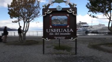 Port of Ushuaia in Tierra del Fuego in Argentina — Stock Video