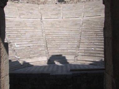 одеон ирода аттика на акрополь в афинах, греция — Стоковое видео