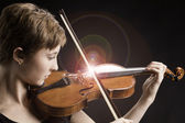 Teenage Girl and Singing Strings Violin — Stock Photo