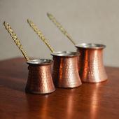3 つのトルコ コーヒー ポットのセット — ストック写真