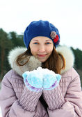 Portrait of young brunette woman in winter — ストック写真