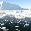 Driving through ice in arctic waters — Stock Video
