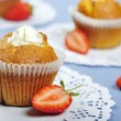 Muffins with strawberries — Stock Photo