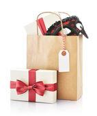 Sacchetto di carta con regali — Foto Stock
