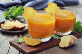 Mango smoothie — Stock Photo