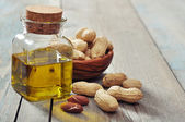 Peanut oil — Stock Photo